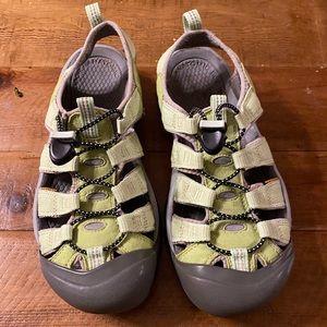 Keen Newport waterproof washable sandal size 9 1/2
